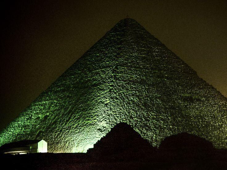 Pyramids night show