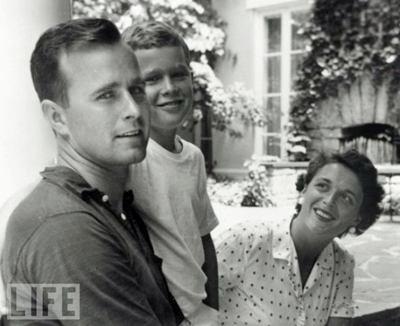 Both Presidents and Barbara Bush.