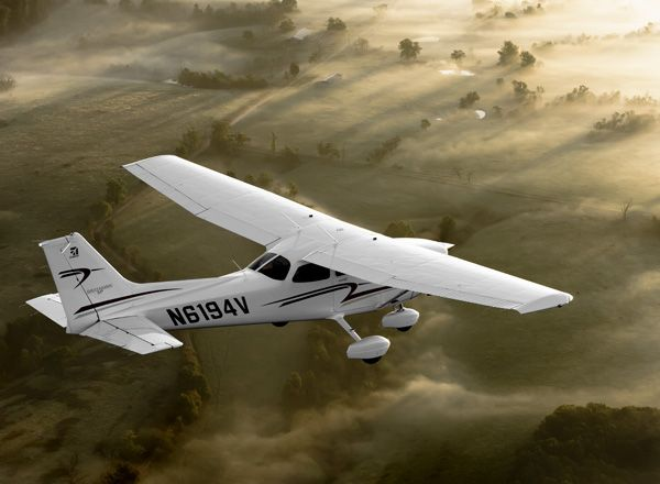 I learned how to fly on a Cessna 172 Skyhawk. Flying is so freeing and relaxing. -Tay