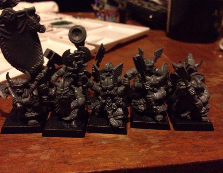 10 dwarf warriors freshly built.