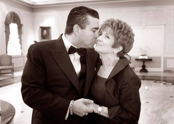 Cake Boss Star Buddy Valastro losses Mother to ALS