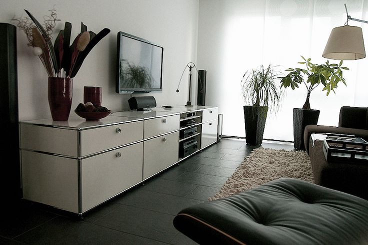 les 25 meilleures id es de la cat gorie usm haller sur. Black Bedroom Furniture Sets. Home Design Ideas