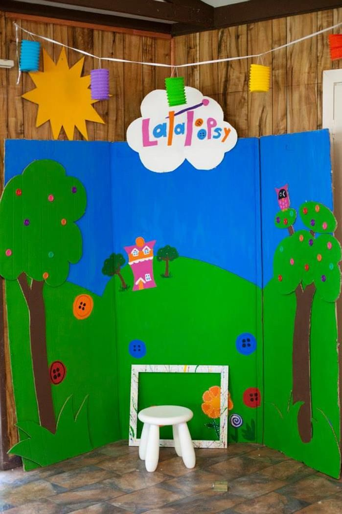 Lalaloopsy Photo backdrop idea. Can use any type of background based on theme