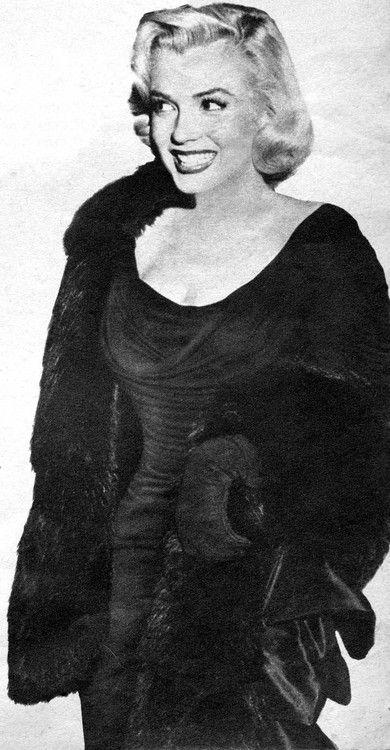 Marilyn at the Redbook Film Awards, 1953.