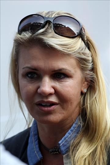 Corinna Schumacher asks media to leave Grenoble clinic