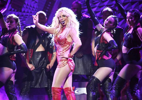 Britney Spears is gaining the confidence of casino magnets in Las Vegas. It is here in Sin City the singer is performing for the past four years. During these four years, Britney performs at Planet Hollywood. It is here the American actress and singer does 250 shows.