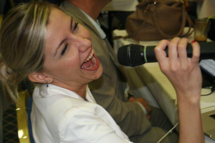#Retreat2013 Η Μαρία Θάνου έτοιμη να μας πει ένα τραγούδι....