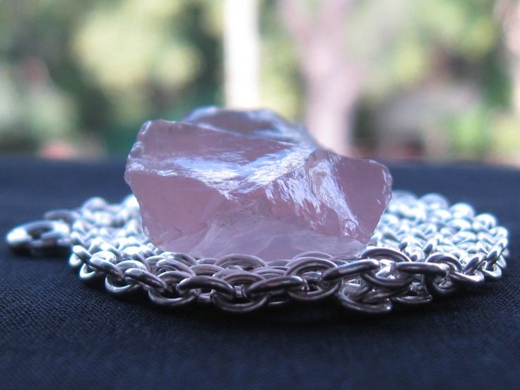 Silver necklace with pink quartz pendant
