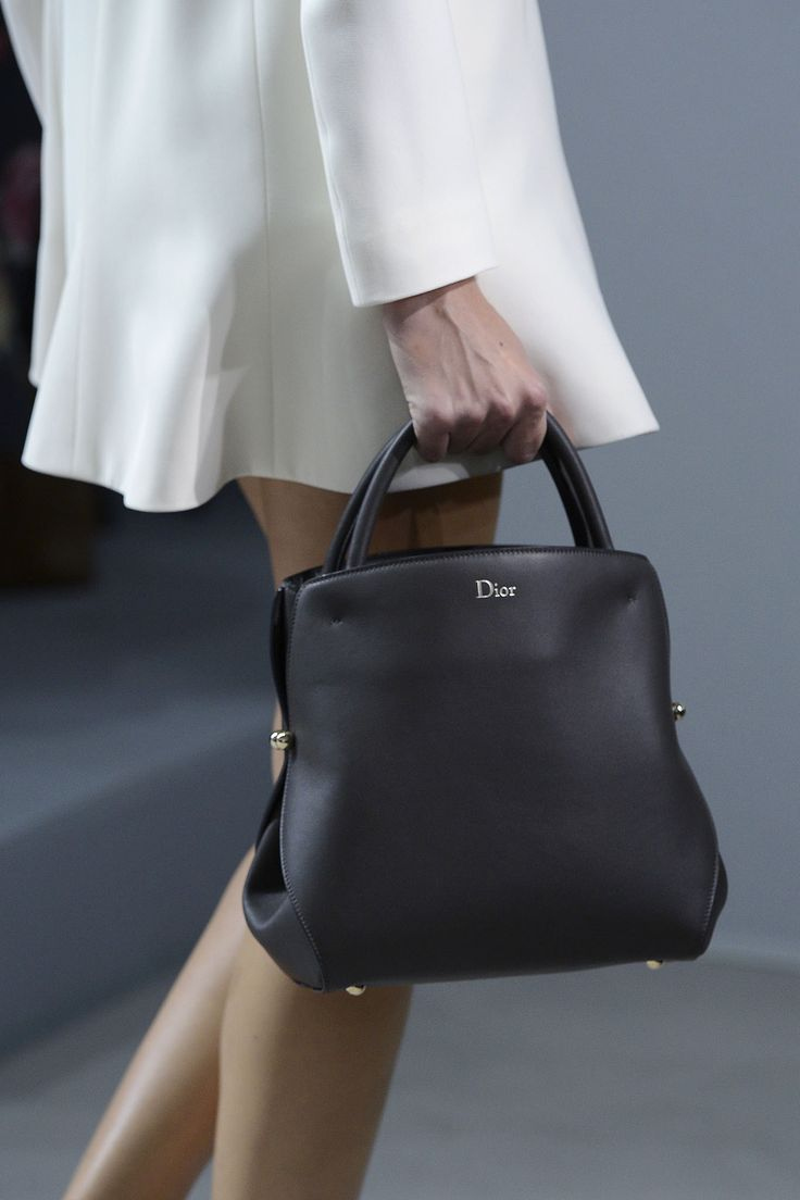 Christian Dior Spring 2013 Ready-to-Wear Fashion Show Details