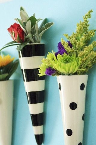 petite wall vase - must buy soon.
