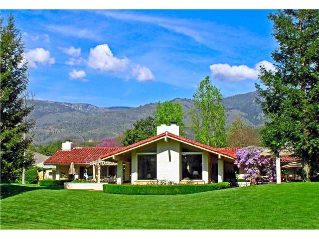 Custom home with 3,414 square feet total size. http://teamaguilar.com/san-diego-ca-homes/32570-luiseno-circle-pauma-valley-ca-92061-2000084817/