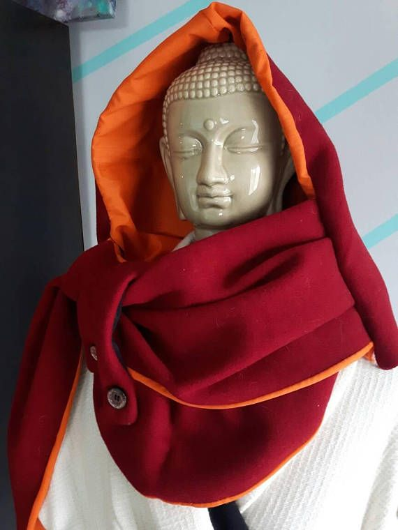 Retrouvez cet article dans ma boutique Etsy https://www.etsy.com/ca-fr/listing/495661353/dark-red-and-orange-cowlscarf-with-hood