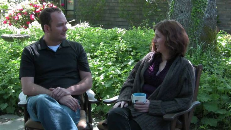 A beautiful setting for an interview with Liz McLellan, a hyperlocavore and yardsharing advocate. What is a hyperlocavore? What is yardsharing and how can yo...