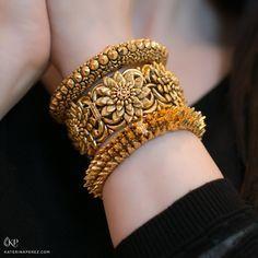 Jaipur Gems Gorgeous Gold chocker bracelet