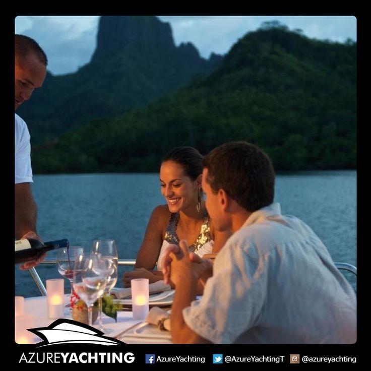 Denizin üstünde romantik bir yemek hayal ediyorsanız, Azure 1 yatımız sizin için hazır. wink ifade simgesi  http://www.azureyachtingistanbul.com/911,hizmetlerimiz  #Azureyachting #istanbul #yachting #yatturu #romantik #yemek