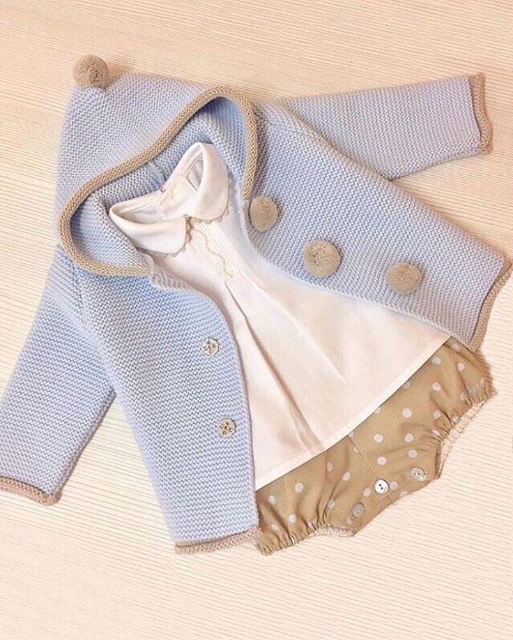 Nos enamora este conjuntito de @garabatosinfantil Lovely ❤️❤️•••Si te gusta déjanos un comentario, nos importa!! Gracias!! #modaespañola #modainfantil #ropaespañola #ropainfantil #hechoenespaña #madeinspain #modaespaña #kidsstyle #niñasconestilo #spain #modainfantilchic #kidsfashion #cutekidsfashion#fashionkids #baby#babygirl#sweetbaby#babyfashion #cutekidsclub#instababy#littlebaby#modainfantilespañola #modainfantilmadeinspain