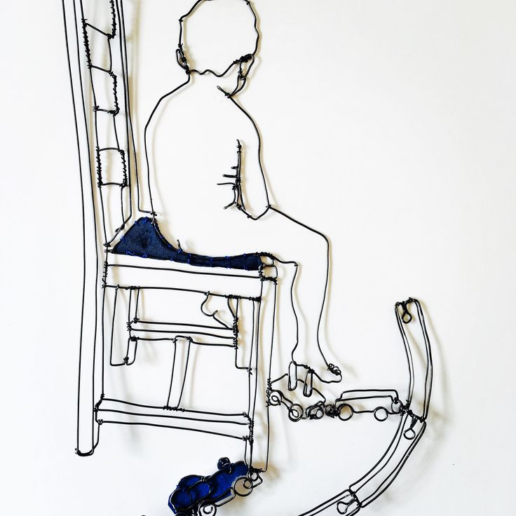 Boy with Train www.thestudiogallery.dk artist Christina James Nielsen Sculptural drawing in metal wire