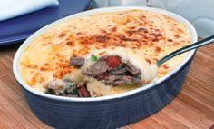 O Escondidinho de Costela é um prato delicioso, fácil de fazer e que vai agradar toda a família. Faça hoje mesmo e receba muitos elogios! Veja Também:Esco