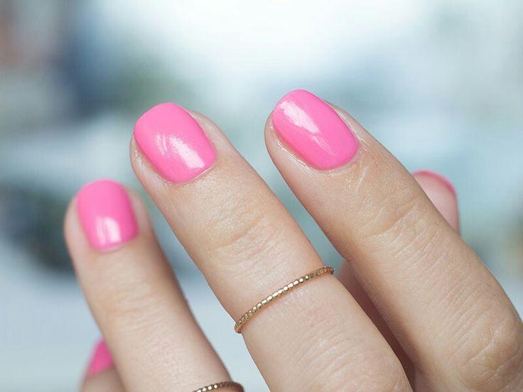 046 Intense Pink