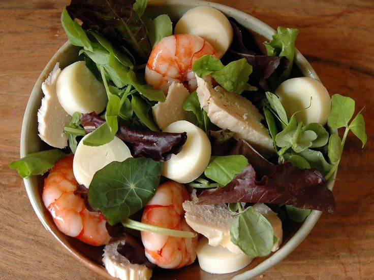 Chicken, Prawn & Palm Heart Salad.  Great with Righteous Lemon & Mustard Seed Dressing. C$6.25.
