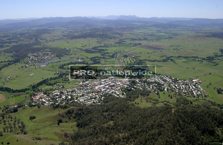 Aerial shot of Kyogle with Fairymount in foreground.