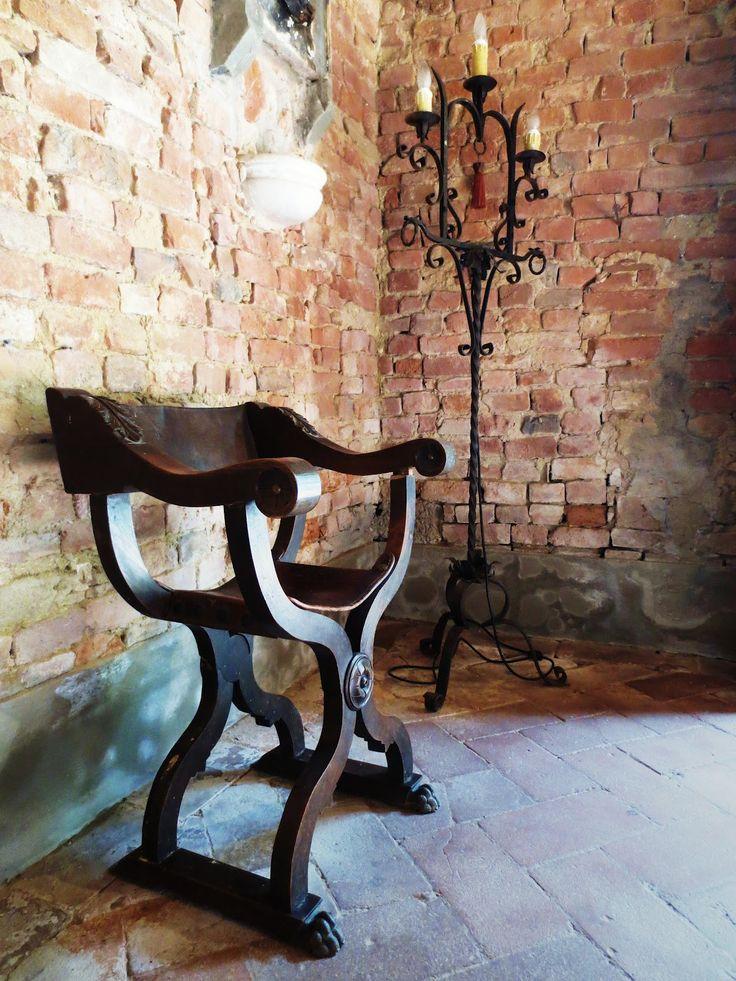 15th Century Italian Chair   American Lifestyle Furniture Az