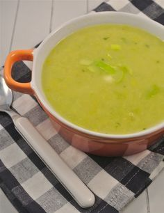 Prei Soep - Heerlijk soepje met een milde curry smaak. Voor herhaling vatbaar!