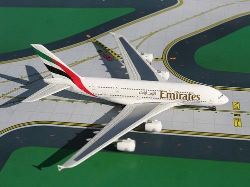 Buy Airbus A380 Emirates 1/400 Scale - Die Cast Model (GJUAE650) for R950.00