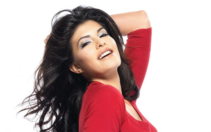 Descargar fondos de pantalla Jacqueline Fernandez, India actriz, modelo, Sri Lanka actriz, vertical, vestido rojo, morena, de Bollywood, las mujeres de la India