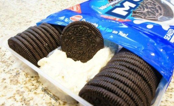 Moreo - Oreo Cookie You Dip Into Cream - FreshnessMag.