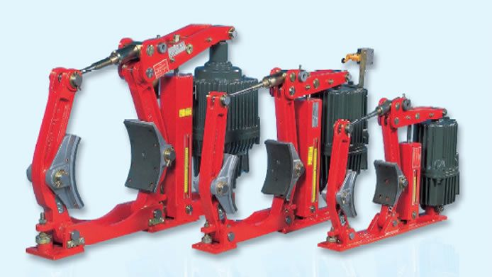 The EBH drum brake comes with an automatic wear compensator and a torque range of 200 – 4,000 Nm. This drum brake is made for applications such as slewing, conveyor belts, trolleys and gantries.