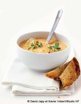 Soupe de lentilles corail curry-coco - Recette de Cuisine Elle à Table