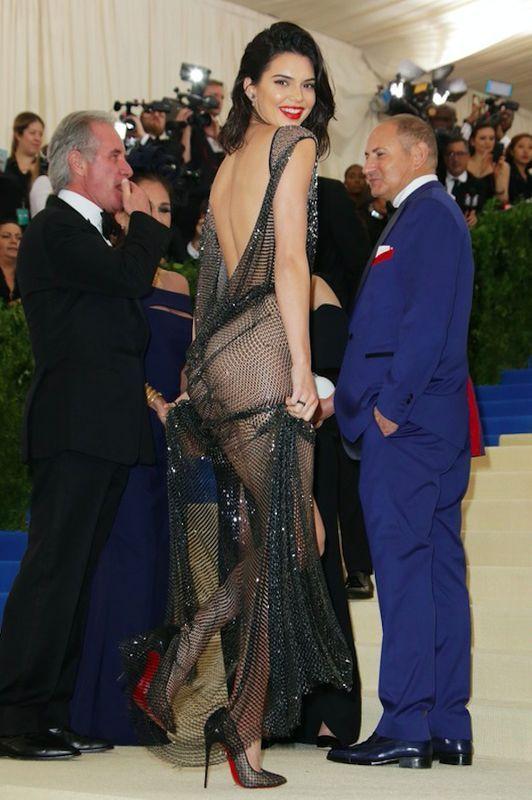 Kendall Jenner - Met Gala 2017, sukienka La Perla