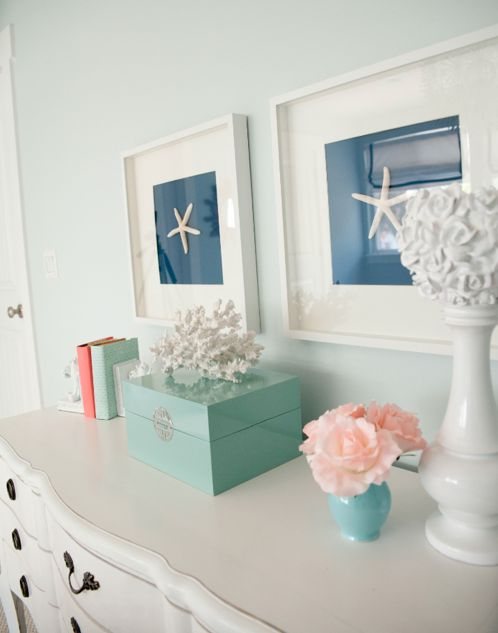 Cute starfish art. : Guest Bedrooms Colors, Starfish Art, Daniel Oakey, Rooms Ideas, Oakey Interiors, Ikea Frames, Frames Starfish, Beaches Houses, Seashells Art