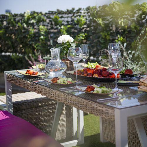 Table de jardin en kubu et aluminium Malacca City Green prix Table de jardin Decoclico 549.00 €