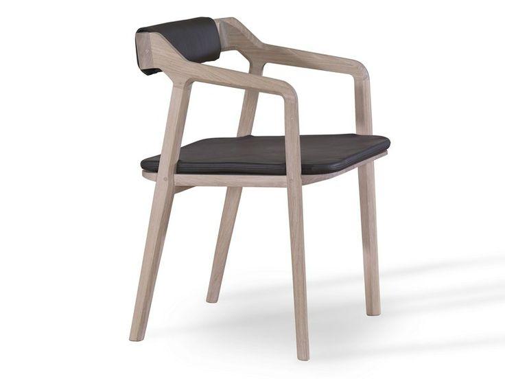 Cadeira de madeira maciça com braços KUNDERA - WEWOOD