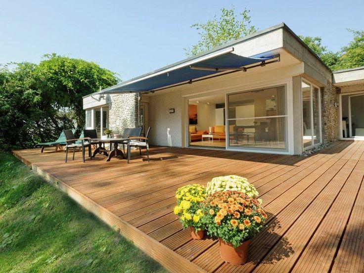 modernes Haus mit Terasse