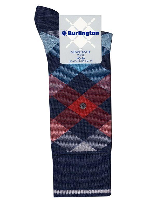OFERTAS EN CALCETINES DE ROMBOS pequeños y multicolores. Confeccionados en lana virgen para mantener tus pies calientes y confortables. Envíos 24/48h