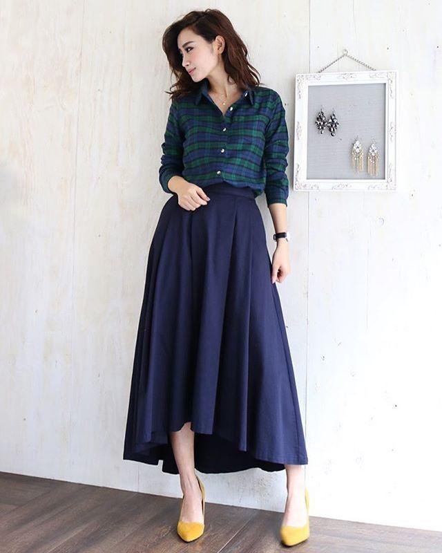 ・ こんばんは♪#ZUMBA 大好きスタッフのSです(*^^*) #チェックのネルシャツ を見ると 腰に巻いて踊りたくなりますw ・ ・ ・ 先日アップしたこちらの#フランネルシャツ 、 当店大人気の#テールカットスカート とも好相性♡ 最近スカートのタグ付け写真を沢山の方にして頂き、 大変嬉しく思っています♪ タグ付け、リンク付け大歓迎です(*^^*) ▼ ▼ ▼ ▶︎▶︎▶︎コットンネルシャツ長袖シャツ ・ ・ ・ #GRANDCROSS#グランドクロス#ママコーデ#プチプラ#今日のコーデ#coordinate#ootd#love#staffS#ロカリ#locari#フィッシュテールスカート#アシンメトリースカート#フレイドヘムスカート#ヘムスカート#チェックシャツ#ネルシャツ#コットンシャツ#只今店長はゴールデンボンバータイム