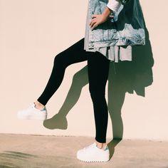 Paso a paso a por el martes... con las #zapatillas deportivas con plataforma dentada de Victoria.