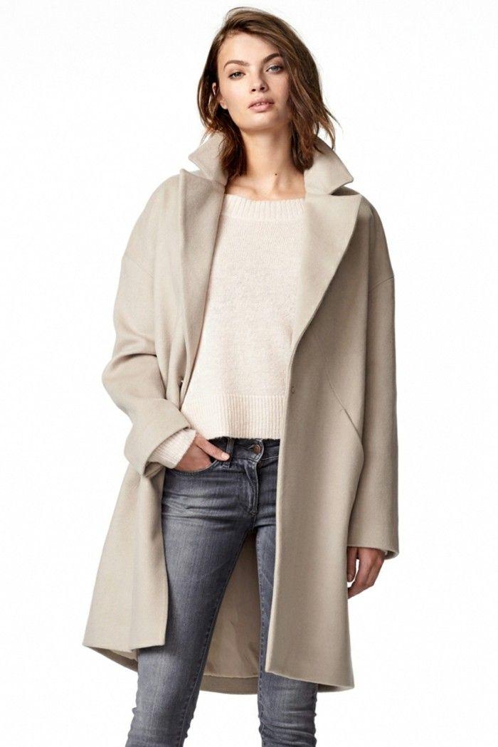 schlichter Mantel helle neutrale Farben skandinavische Mode
