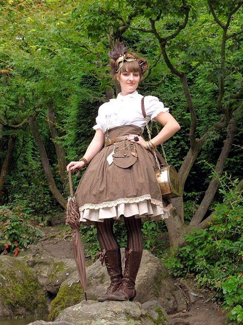 cloggo:  STEAMPUNK LOLITA The charming AyraLeona de Loryva strolls in the woods. FromMikaela EhlyHERE  Originally Posted here http://ayra...