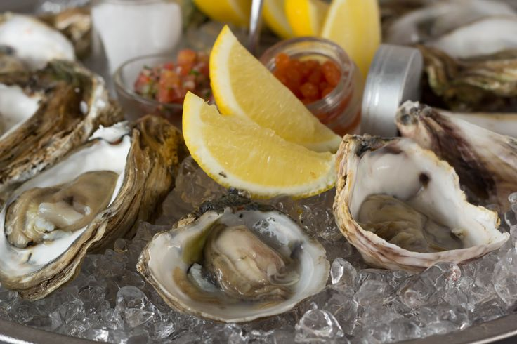 #Oysters #Space #Champagne & #Caviar #Rooftop #Bar @ #Luna2Studiotel #Bali #Chef