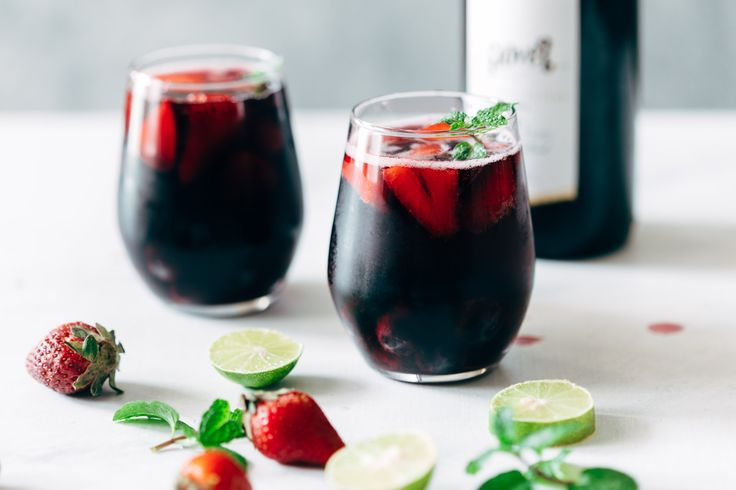 Summer Berry Red Wine Spritzer is a cool, refreshing cocktail - a lot like tinto de verano. Perfect when you want to stay away from hard liquor and watch the calories.