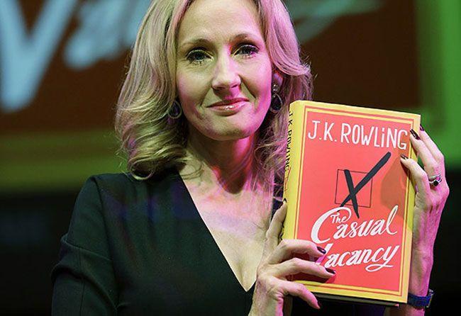 """O livro """"Morte Súbita"""" foi o primeiro livro lançado por J.K. Rowling após Harry Potter. O livro faz parte da categoria mais adulta e a história é ótima."""