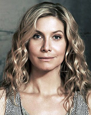 'Revolution': Elizabeth Mitchell on Rachel's state of mind and that awkward mother-daughter reunion