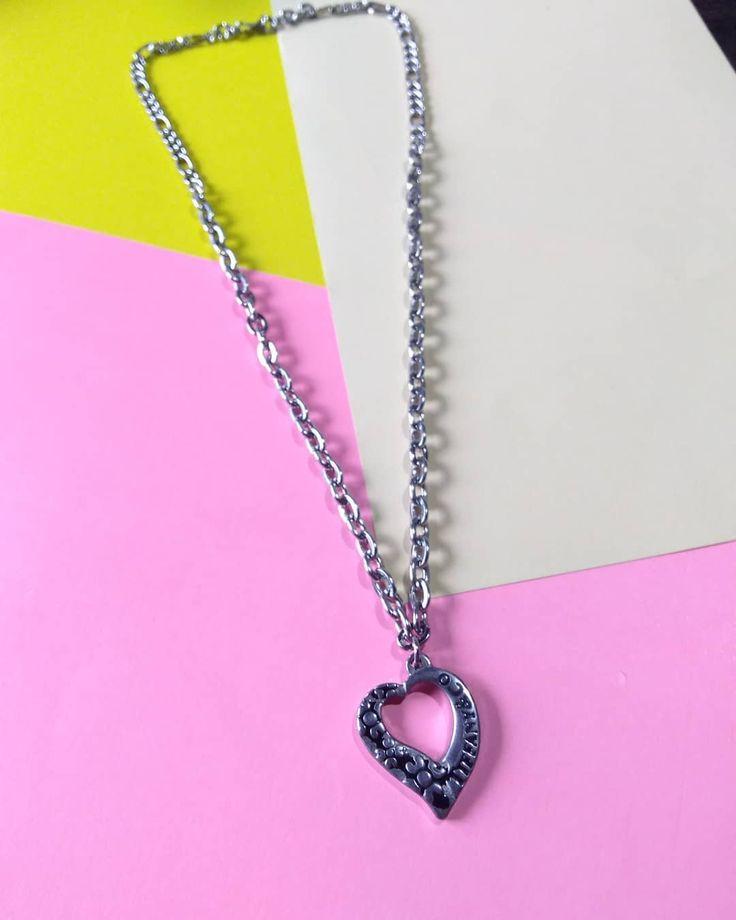 ♥ ️Kurze Halskette aus Chirurgenstahl ♥ ️. Sie wissen, die @mittacom Modelle …   – jewelry