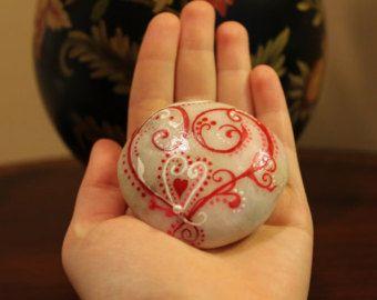 Dipinta a mano pietra, cuore bohémien, pittura di arte vittoriana