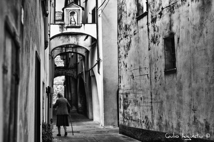Vecchina sotto i portci - Varese Ligure