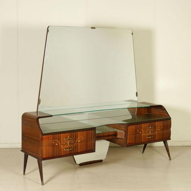 Comò vintage anni 50 con specchio e angolo toilette; legno impiallacciato palissandro, decori floreali intarsiati, vetro e vetro retro trattato.